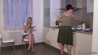 His mom fucks teen on the kitchen